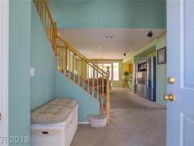 9572 Green Vineyard Avenue