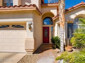 1113 Ventura Hills Street