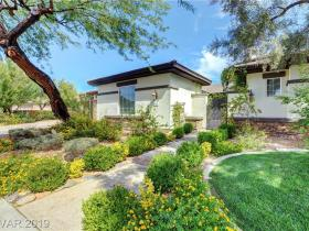 10955 Iris Canyon Lane
