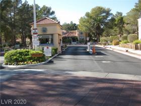 2851 Valley View Boulevard #1137b