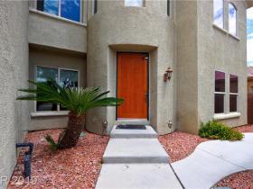 5012 Del Pueblo Avenue
