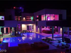 1325 Villa Barolo Avenue