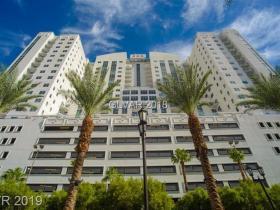 150 N Las Vegas Boulevard #2002