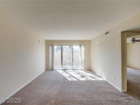 698 Oakmont Avenue #1305