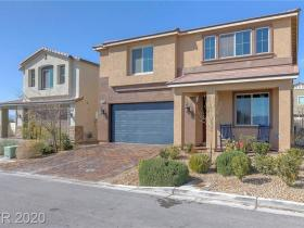 5209 Golden Melody Lane
