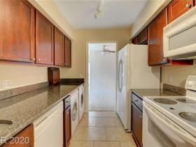 2831 Geary Place #2924