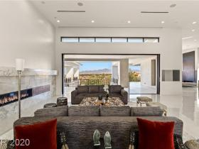 20 Shadow Canyon Court