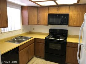 3823 S Maryland Pw Parkway #l8