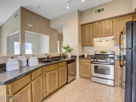 10245 S Maryland Parkway #274