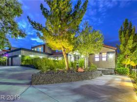 2905 La Mesa Drive