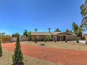 6061 Madre Mesa Drive
