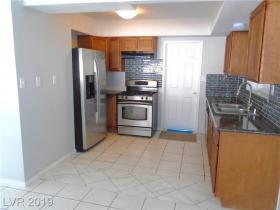2901 Searles Avenue