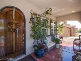 928 Las Palomas Drive