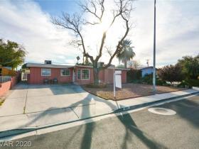 4117 Las Lomas Avenue