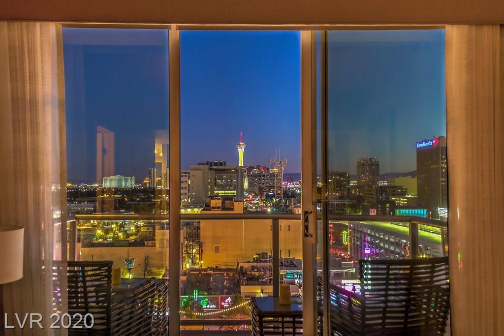 150 Las Vegas Boulevard #1110